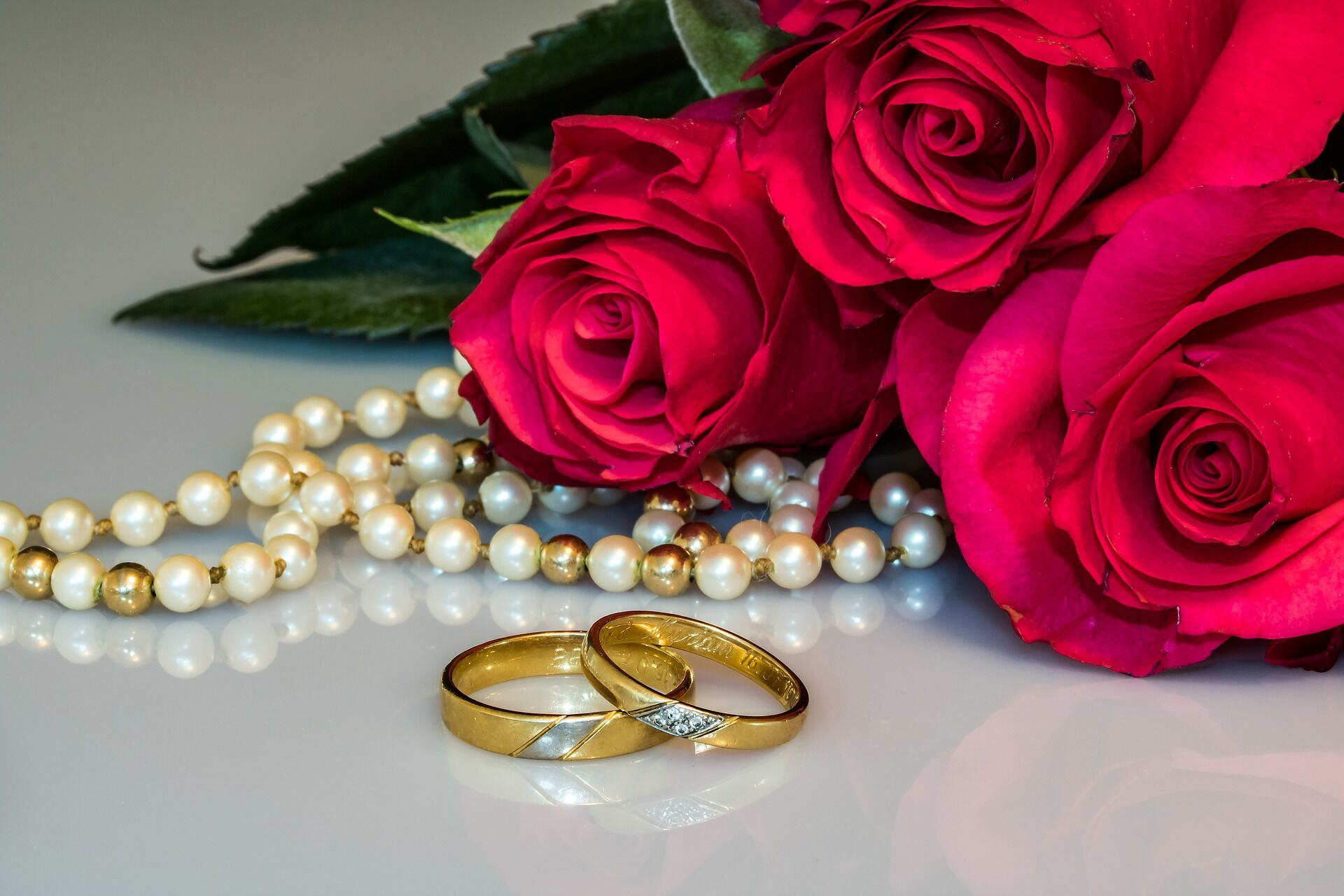 wedding-rings-2252438_1920